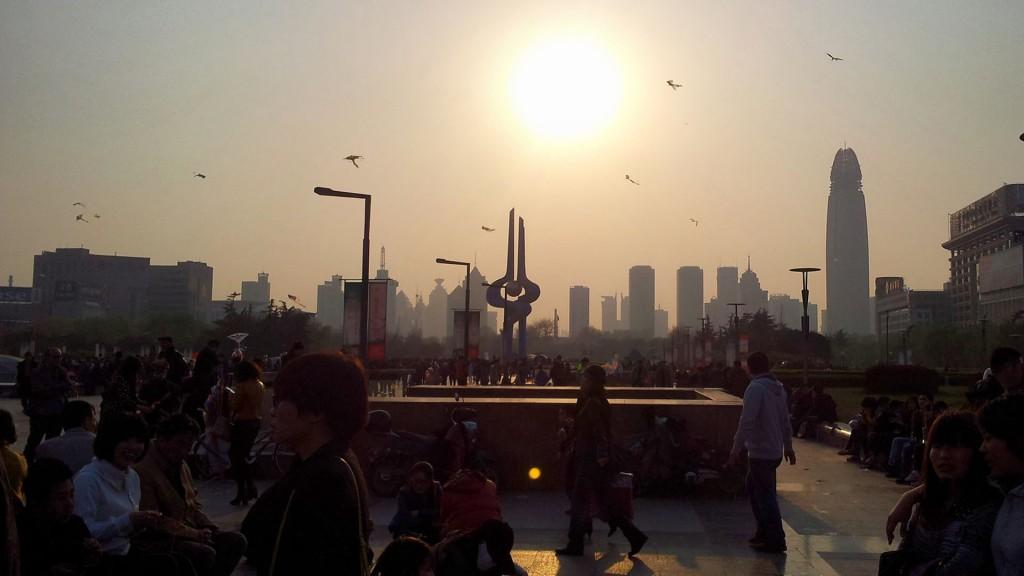 背景图片:泉城广场