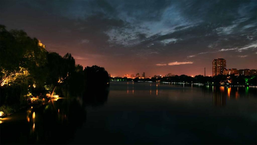 背景图片:大明湖